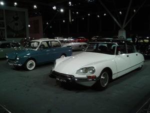Op de trip down memory lane treft u onder meer een smetteloze Citroën DS en een concoursstaat DAF. Foto: Erik van Putten