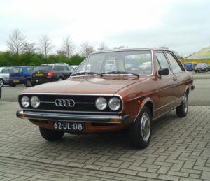 Ook aanwezig: een in absolute concoursstaat verkerende Audi 80 GL uit 1976. Foto: Erik van Putten