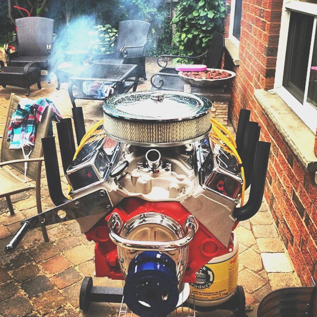 V8-Engine-Bbq-Grill-by-Hot-Rod-Grills
