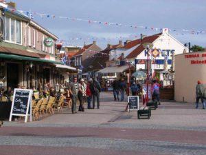 Zoutelande_shoppingstreet