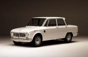 De geliefde Giulia was belangrijk voor de groei van Alfa Romeo. De nummer vijf van de lijst der iconische Alfa's begroet morgen eindelijk haar spirituele opvolger. Foto: Alfa Romeo