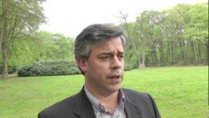 Wouter van Embden heeft namens de Stichting Autobelangen de voorkeur uitgsproken om de druk op de politiek op te voeren.