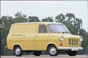 De eerste generatie van de Ford Transit werd direct vanaf zijn introductie een groot succes. Foto: Ford