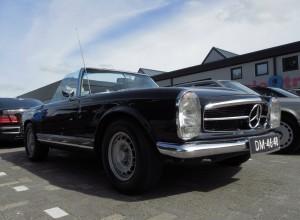 Mercedes Benz restaurateur Jaap Havik uit Purmerend was met een oogstrelende Pagode aanwezig. Foto: Erik van Putten