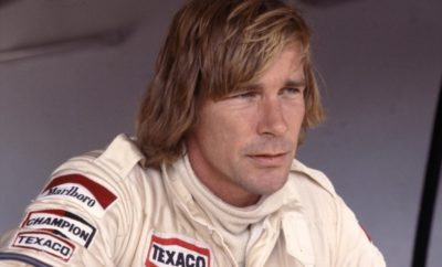James Hunt overleed in 1983, maar hij was toch de ster van de vierde editie van de Historic Grand Prix. Met dank aan zijn zoon Freddie, die er een demo met een Hesketh verzorgde. En een beetje met dank aan Michael Lyons. U leest het hele verhaal in AutoMotorKlassiek nummer 10, nu in de kiosken.
