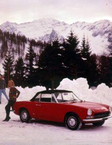 Ook met de kap dicht blijft het ontwerp van de Fiat 124 Spider harmonieus. Foto: Fiat/FCA