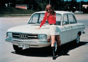 De Audi F103 sproot voort uit de voormalige Daimler Benz dochter Auto Union. Audi groeide in de loop der jaren uit tot een grote Mercedes-Benz concurrent. Afbeelding: Audi AG