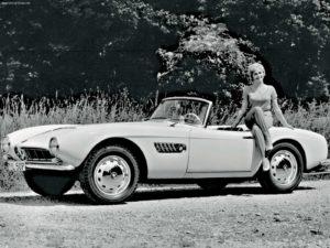 """Eén van de allermooiste BMW's uit de historie wordt in Bremen tentoongesteld in het kader van """"100 jaar BMW"""": de prachtige 507. Afbeelding: BMW"""