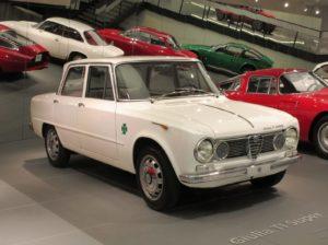 De Alfa Romeo Giulia TI Super in het Museo Storico Alfa Romeo in Arese. Foto: Erik van Putten