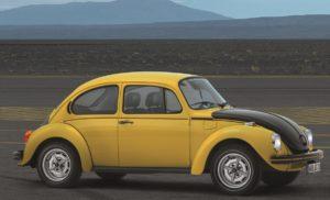 De Gelb Schwarzer Renner is in een oplage van 3500 stuks gebouwd. Er zijn wereldwijd nog 100 originele exemplaren bekend. Afbeelding: Volkswagen AG (bewerkt)