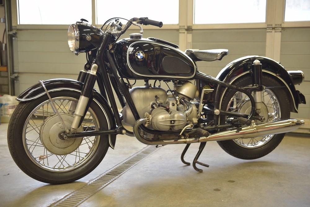 Klassiek belicht de bmw r69s 1964 1969 auto motor klassiek - Mand een machine huis ter wereld ...