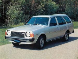 In 1978 kwam de Estate op de markt, welke- in aangepaste vorm- ook de stationvariant van de tweede generatie werd. Afbeelding: Mazda