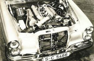 De M 100 E63 krachtbron gaf de topversie van de W109 een groot prestatiepotentieel. Afbeelding: Daimler AG