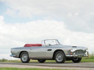 Slechts 70 stuks van deze prachtige Aston Martin DB 4 Convertible werden er vervaardigd. Eén ervan is kandidaat om in Londen geveild te worden. Afbeelding: Tim Wood/RM Sotheby's