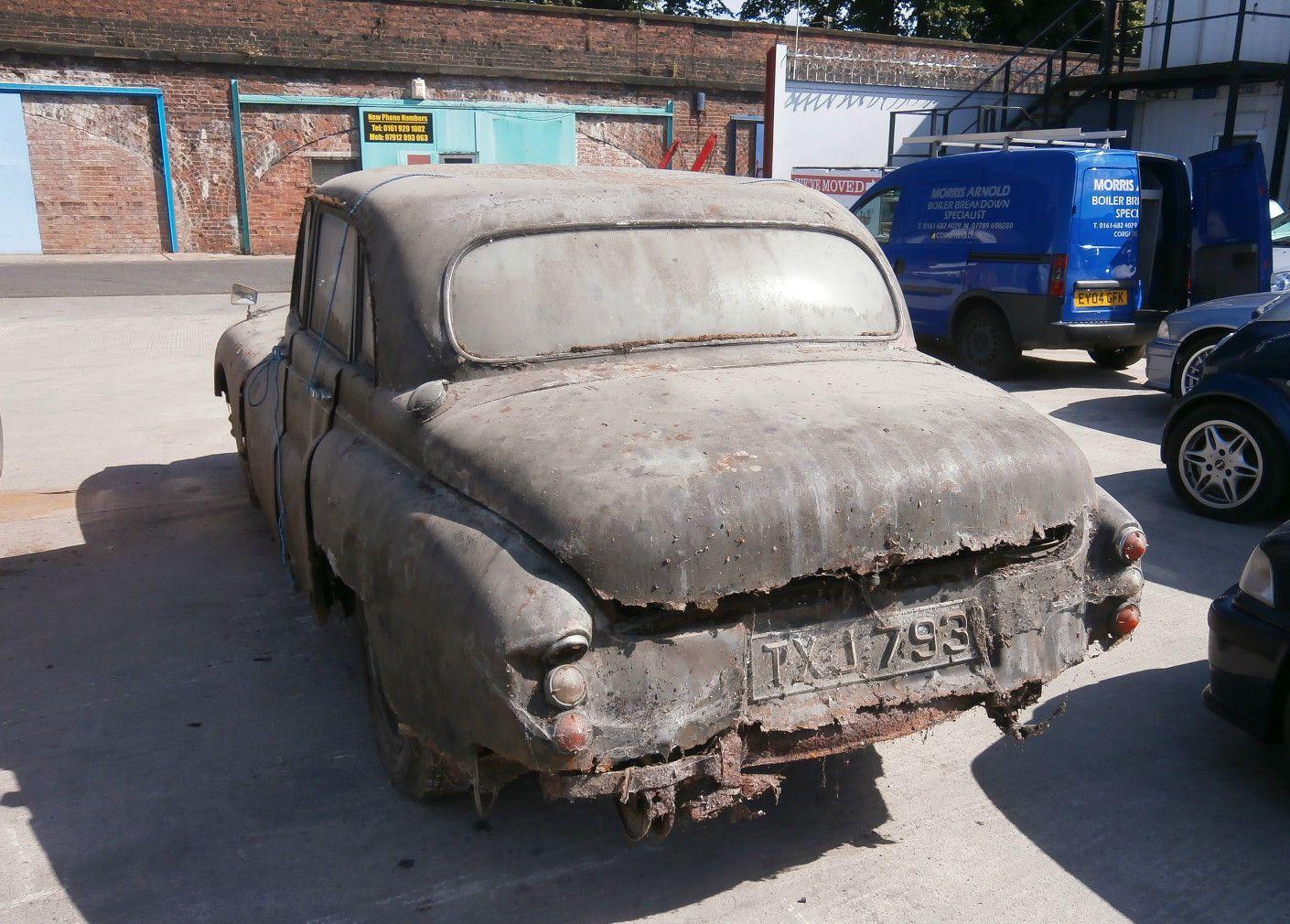 Hoe spijtig ook, restauratie van dit stuk Britse automobiele erfgoed is economisch niet verantwoord. De kosten overstijgen de uiteindelijke waarde vele malen