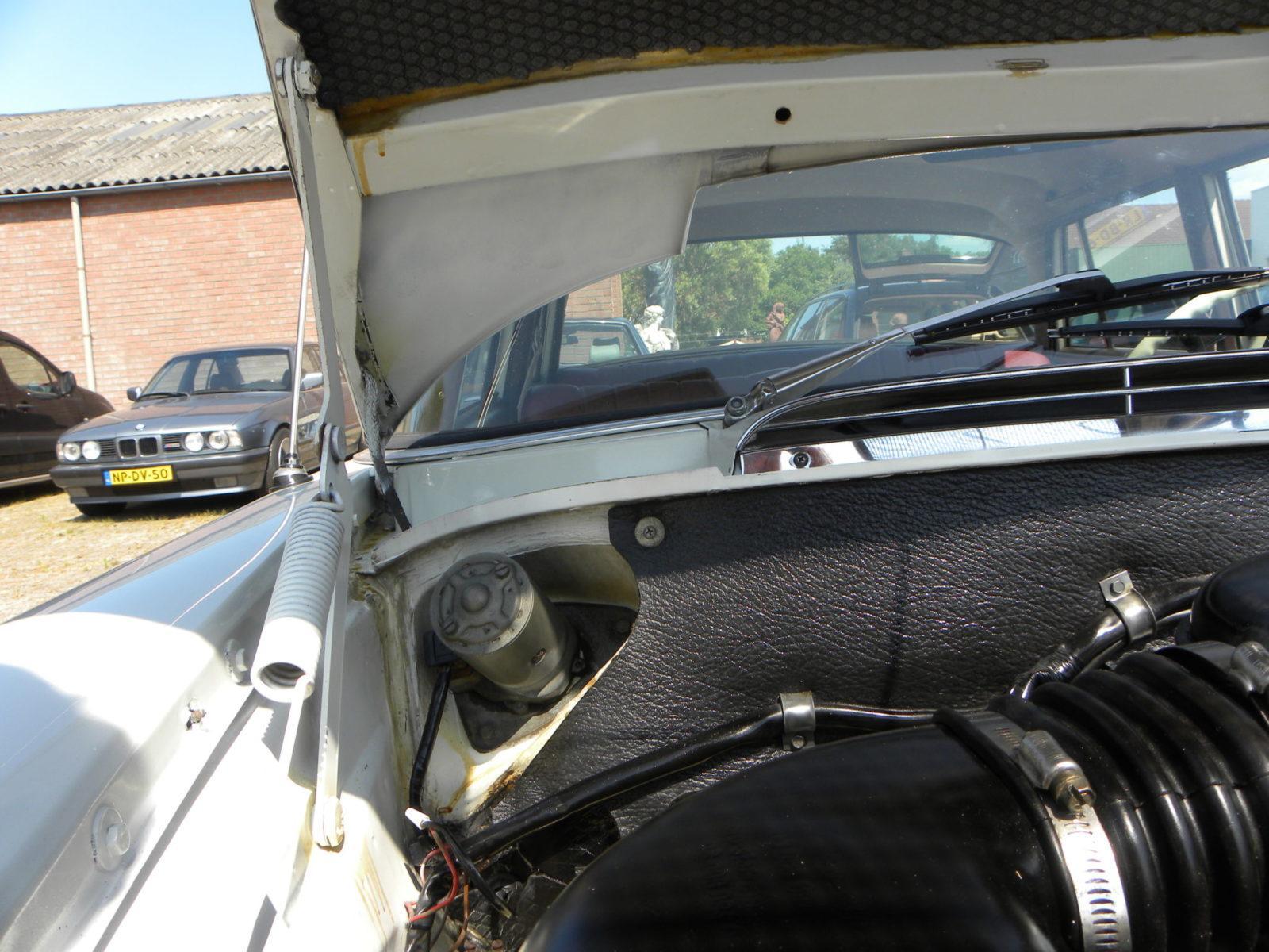 Onder de kap gekeken: een Mercedes-Benz 200