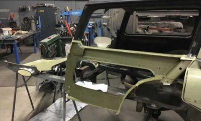 Rechter achterscherm binnenkant in de epoxy