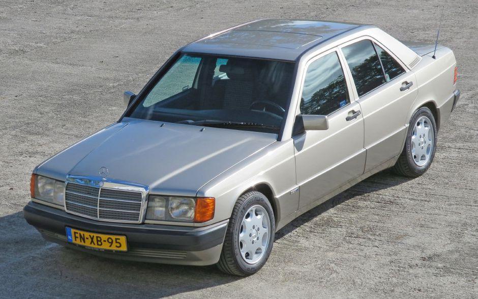 مرسيدس بنز 2 5 Td من 1990 السيارات القديمة في Auto Motor Klassiek دائم الخضرة