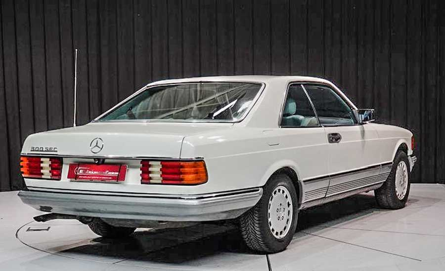 Mercedes-Benz 500SEC zij achterkant