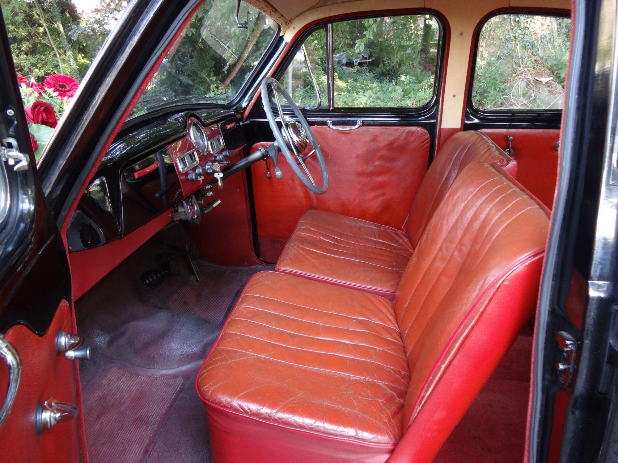 Austin A40 Sommerset interieur