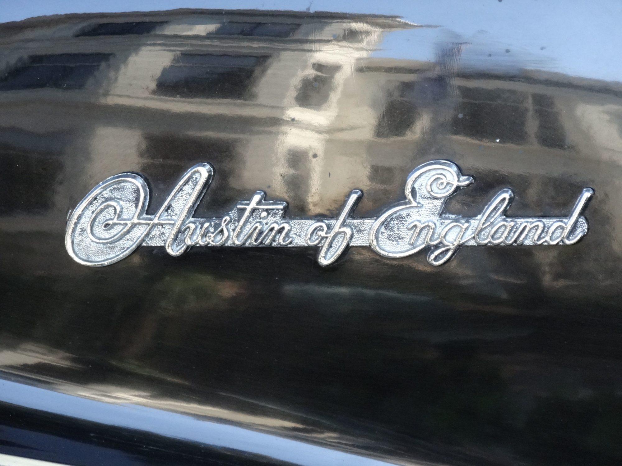 Austin A40 Sommerset embleem