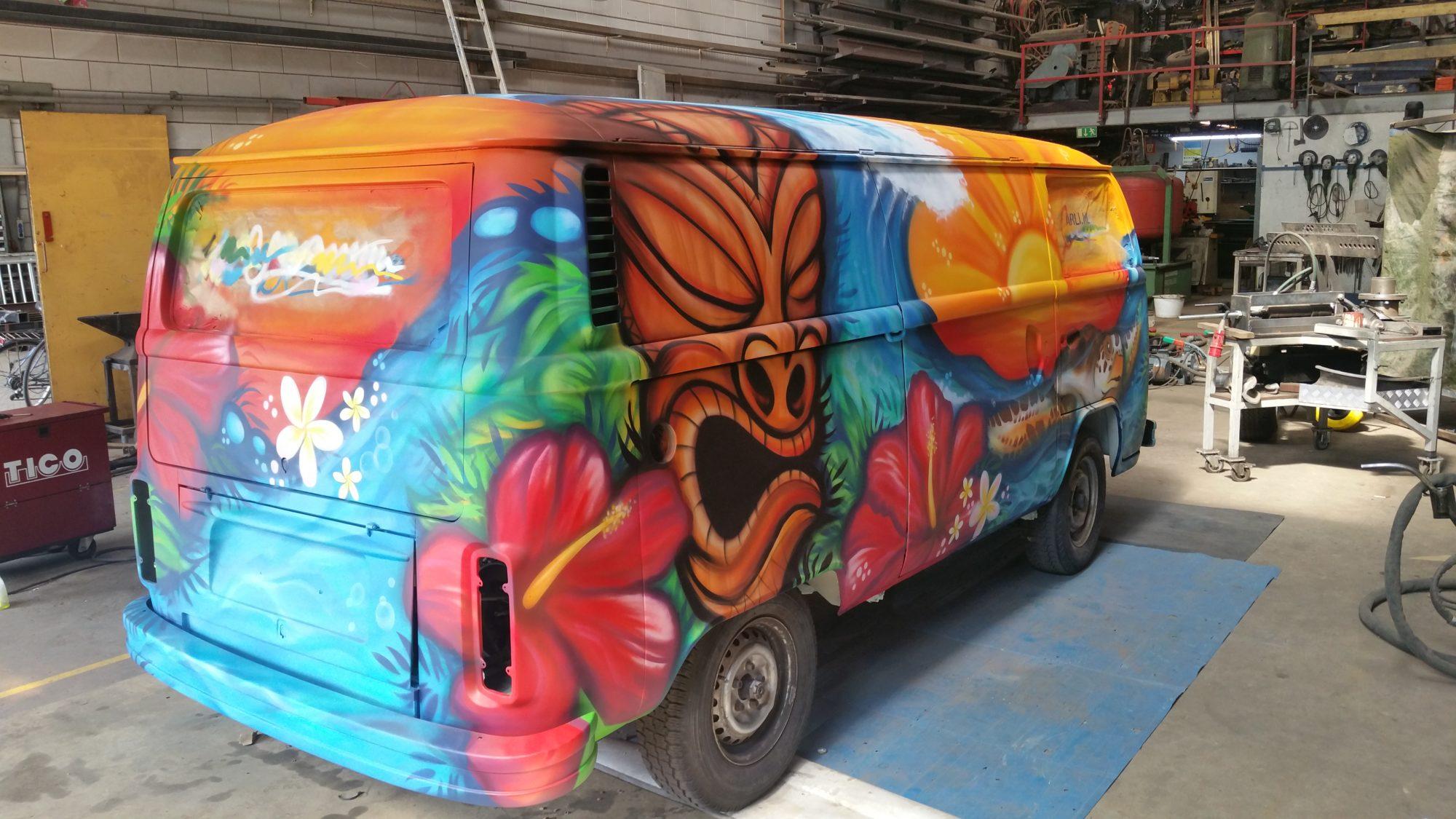 VW Bus - Tiki Bus