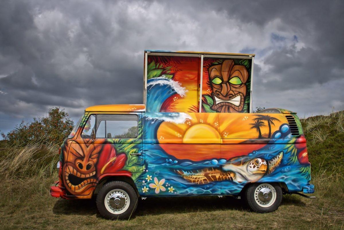 VW Bus - der Tiki-Bus