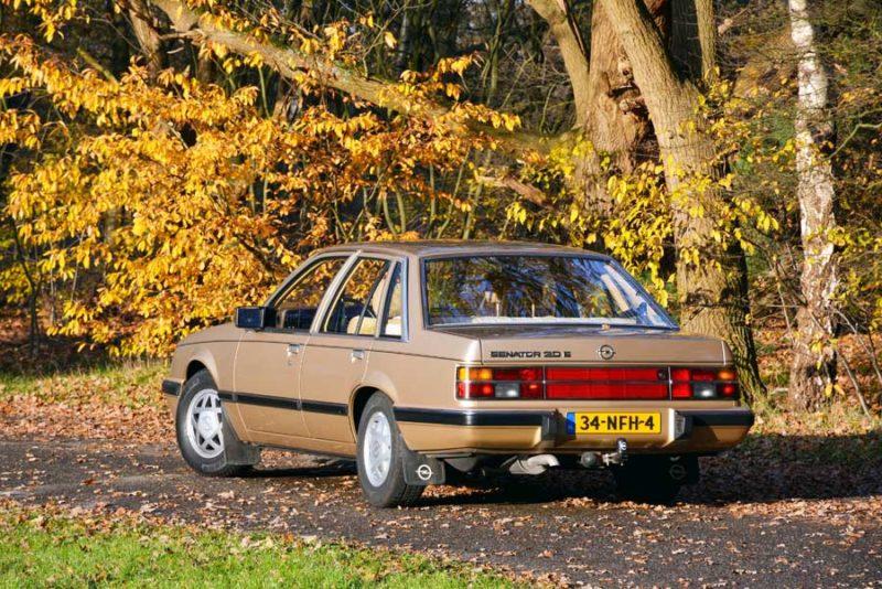 Opel Senator achterkant
