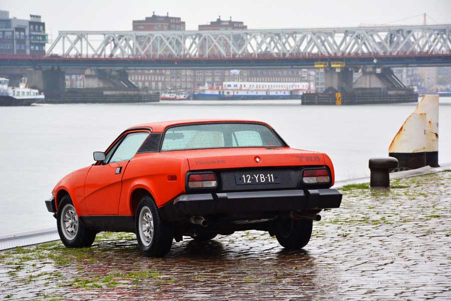 Triumph TR8 achterkant