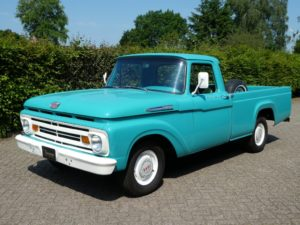 Amerikaanse pickups - Ford F100 pickup voorkant