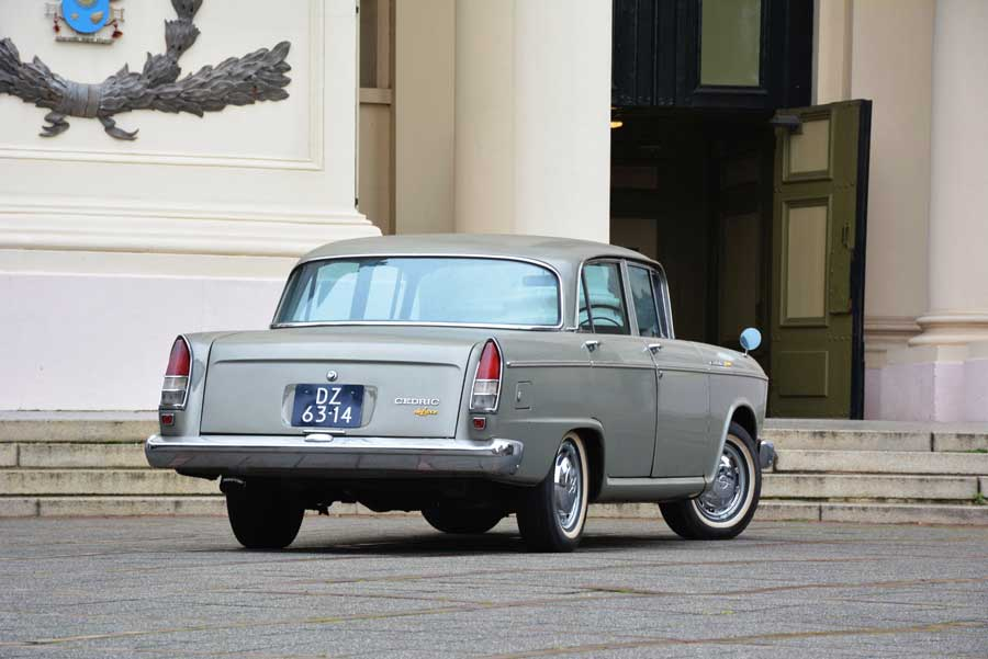 Nissan Cedric 1900 de Luxe