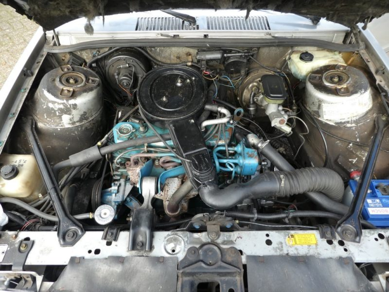 Pontiac Phoenix motor