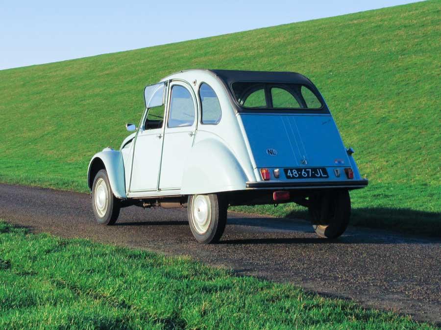 Citroën 2CV AZ achterkant
