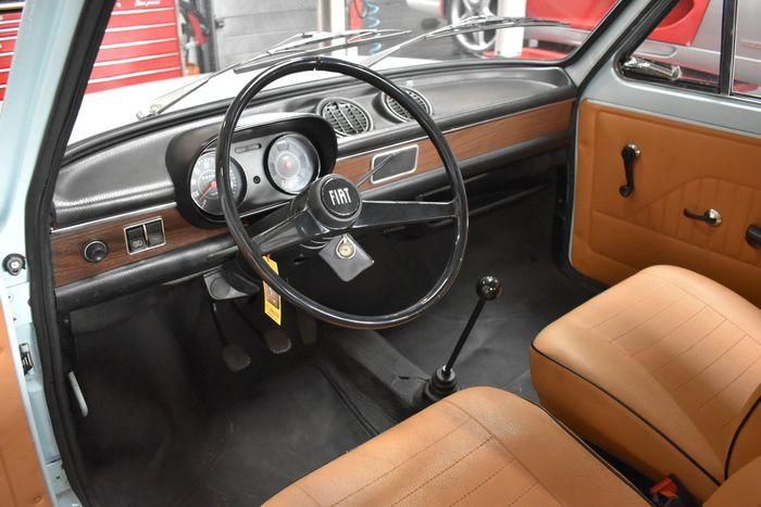 Fiat 127 interieur