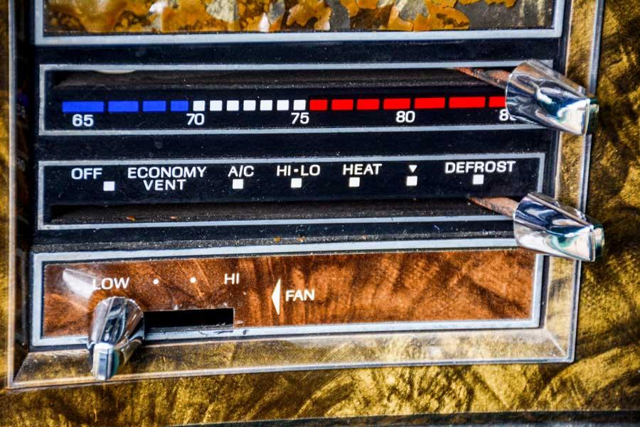Dashboard Lincoln Continental Mark V Givenchy