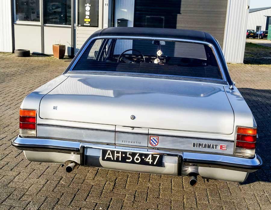 Opel Diplomat achterkant