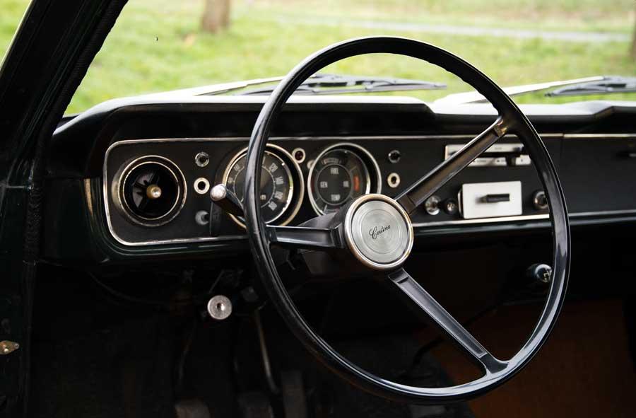 Ford Cortina MkII interieur