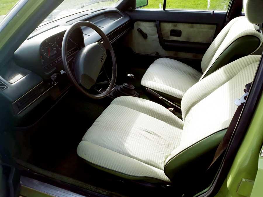 Interieur Audi 100