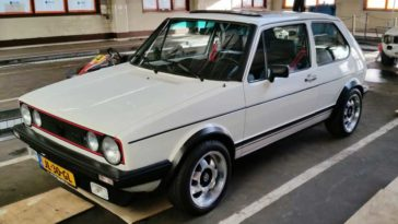 VW Golf GTI (1983)