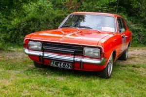 Opel Rekord 1700 restauratie Dukes of Hazzard General Lee