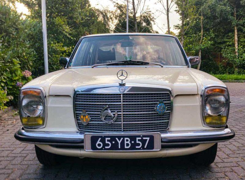 Mercedes Benz 240D (1975)