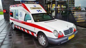 Mercedes E 290 TD (1999) ambulance