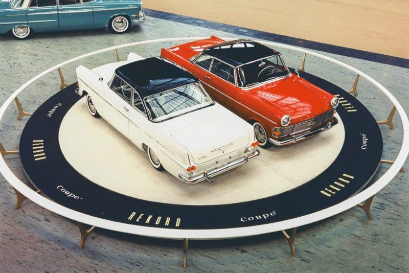 1961 IAA Frankfurt introcuctie van de P2 Coupe