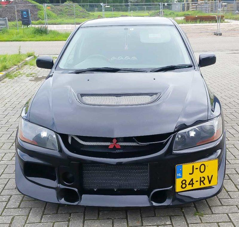 Mitsubishi Lancer Evolution 8 2003 2