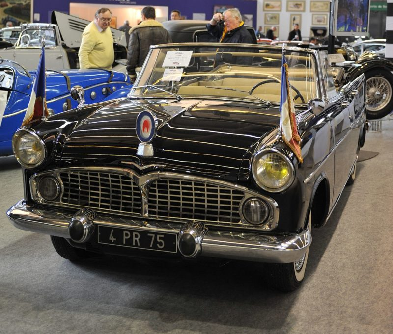 1280px Artcurial Simca President cropped